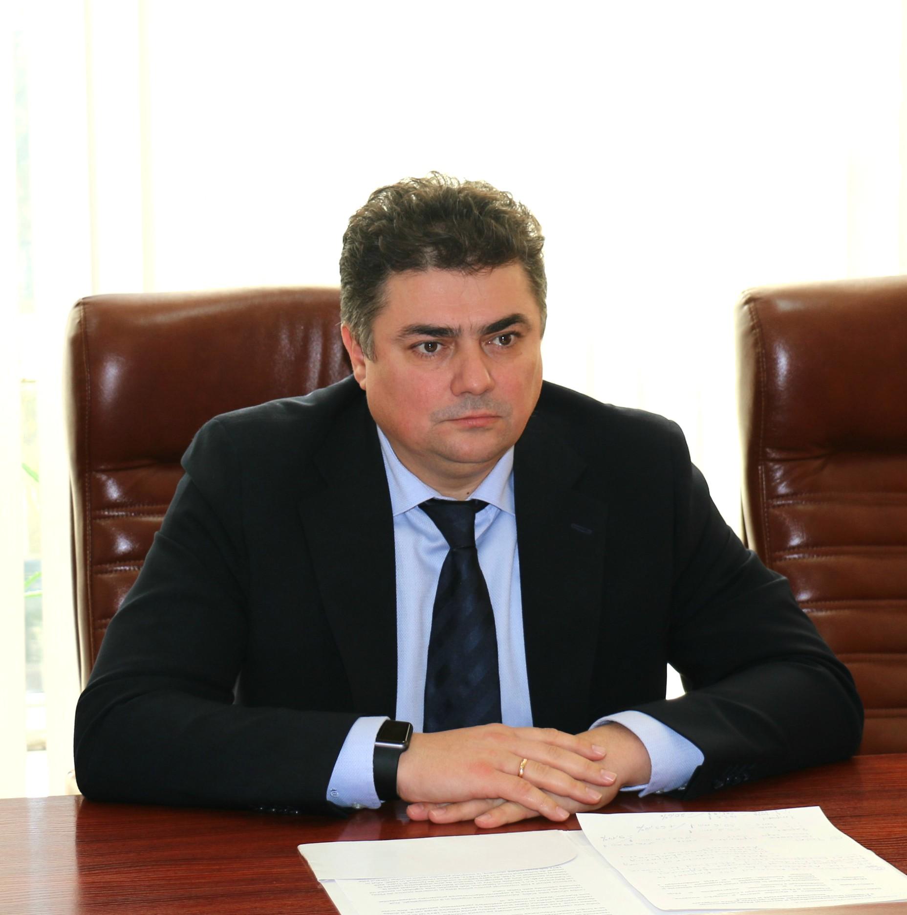 Ministerul Economiei are un nou tânăr specialist (foto ...  |Ministerul Economiei