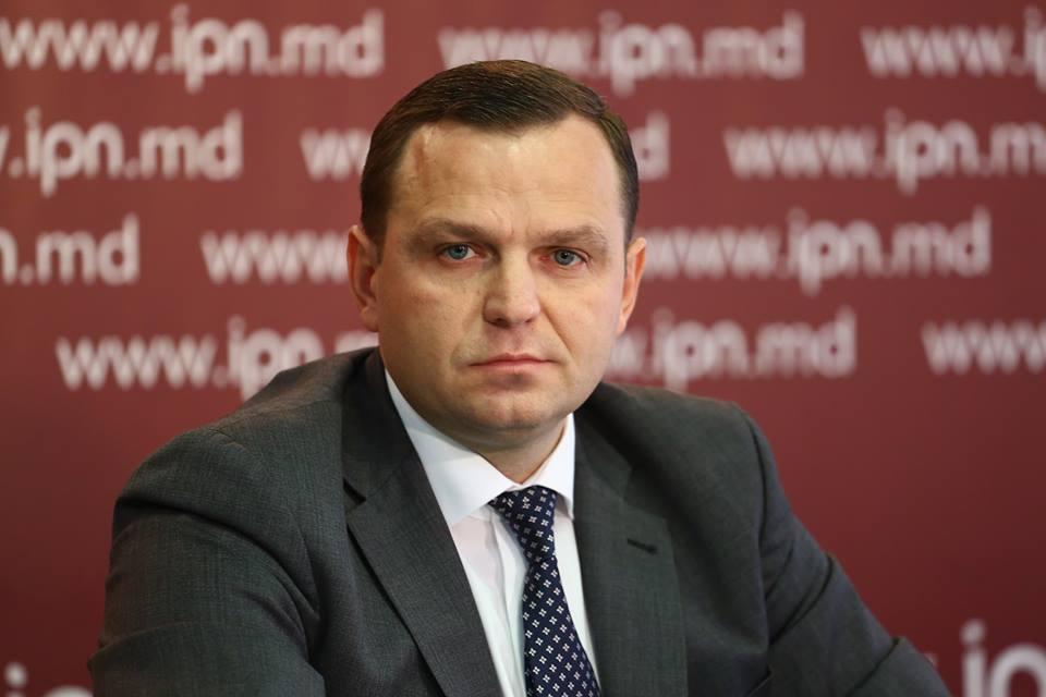 platforma liderilor de opțiuni)